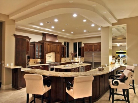 What are the key elements in a luxury kitchen