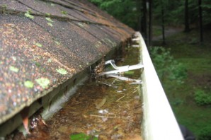 Cleaning the gutters – the most important to-do list project